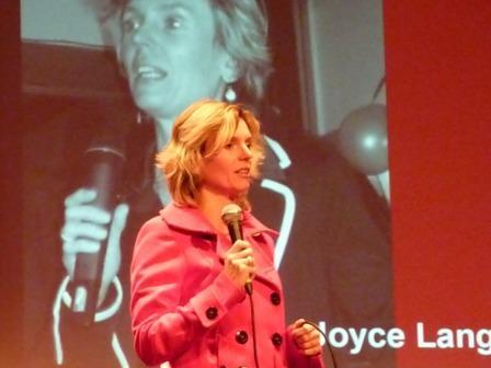 Joyce na haar uitverkiezing (foto Martien Brander)