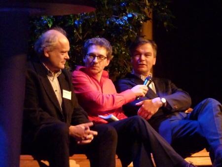 Frenk van der Linden interviewt burgemeester Bernt Schneiders en initiatiefnemer Lukas Mulder