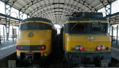 Treinen in het station van Haarlem