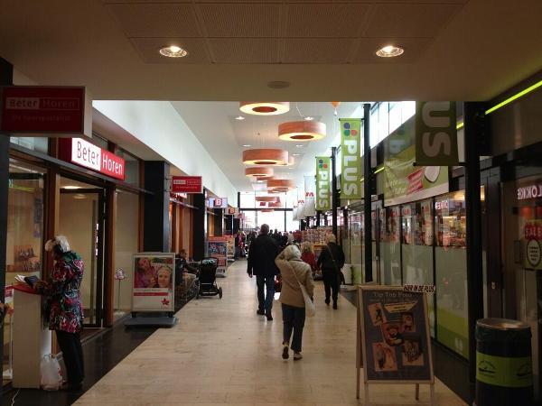 Het overdekte deel van winkelcentrum Marsmanplein